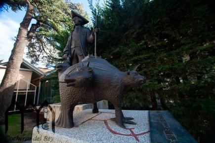 Escultura Bronce Carlos III y Esco Rial